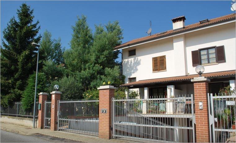 Villa vendita BRUINO (TO) - 6 LOCALI - 219 MQ
