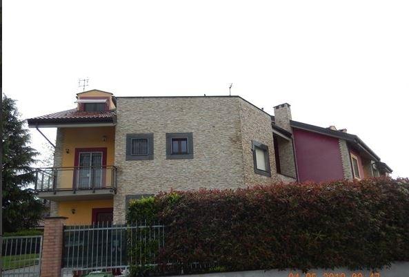 Villa vendita BRUINO (TO) - 5 LOCALI - 222 MQ