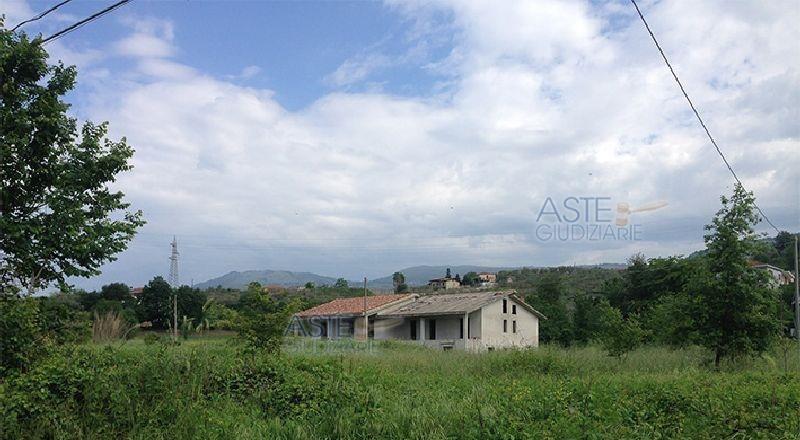 Villa vendita FERENTINO (FR) - 3 LOCALI - 270 MQ