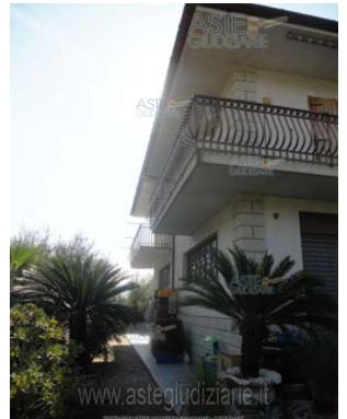 Villa vendita FONDI (LT) - 6 LOCALI - 345 MQ