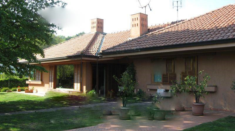 Villa vendita VALPERGA (TO) - 6 LOCALI - 684 MQ