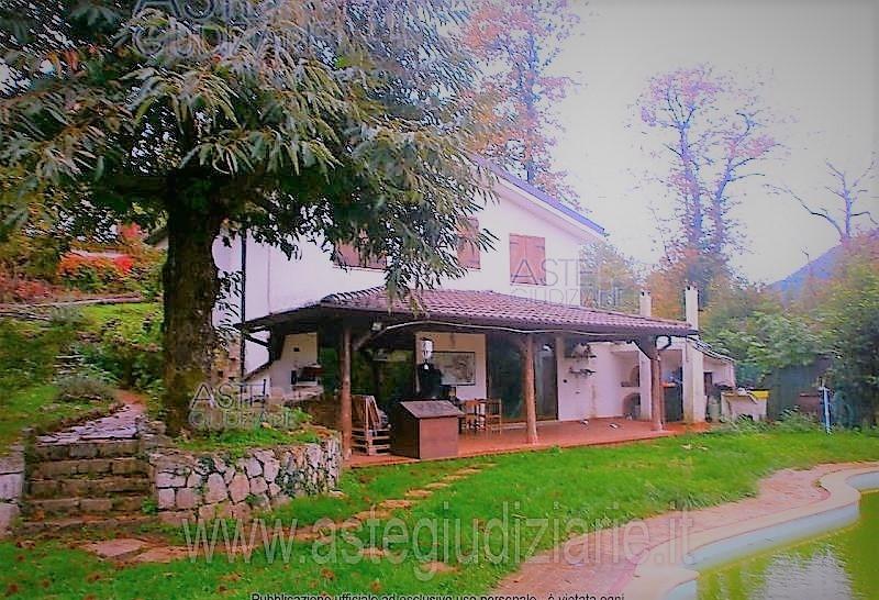 Villa vendita BASSIANO (LT) - 5 LOCALI - 164 MQ