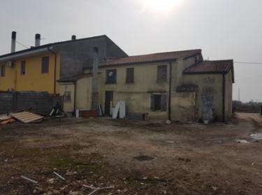 Cascina/casale vendita PRESSANA (VR) - 7 LOCALI - 207 MQ