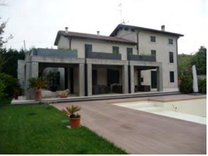 Villa vendita PESCHIERA DEL GARDA (VR) - 6 LOCALI - 292 MQ