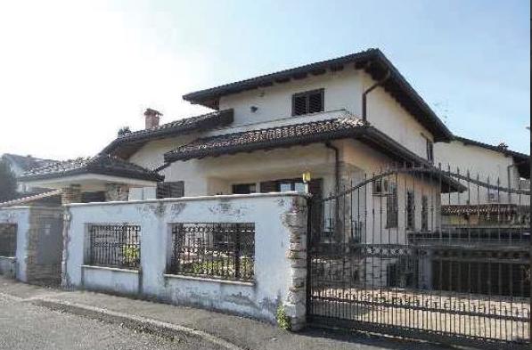 Villa vendita CERRO MAGGIORE (MI) - 5 LOCALI - 321 MQ